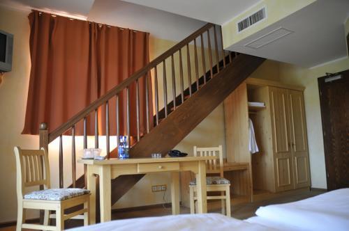 Scară cameră Junior Suite